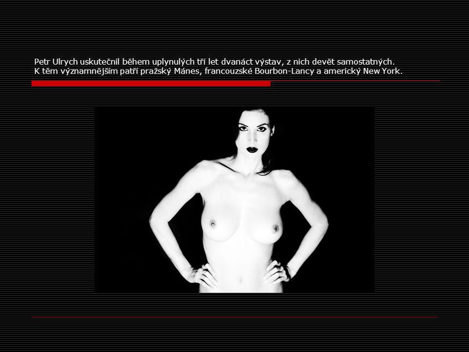"""Výstava Petra Ulrych """"Abstract Woman v Národním domě na Manhattanu v New Yorku, USA zaznamenala v roce 2007 značný úspěch."""