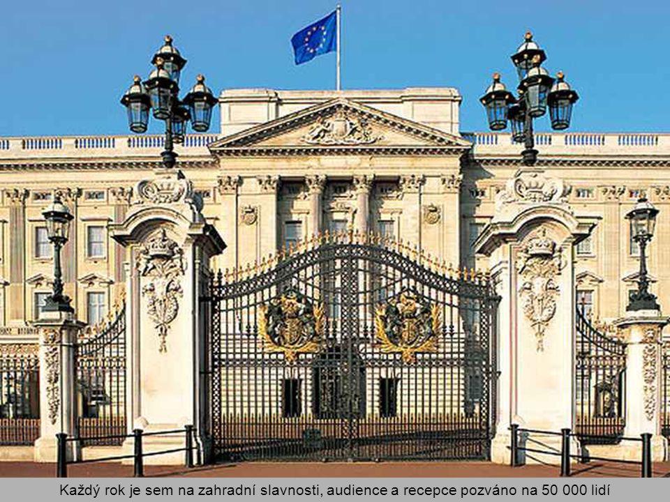 Je také místem, kde se Britové shromažďují v dobách národního veselí i krizí