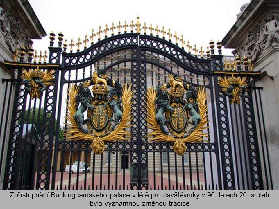 Zpřístupnění Buckinghamského paláce v létě pro návštěvníky v 90.