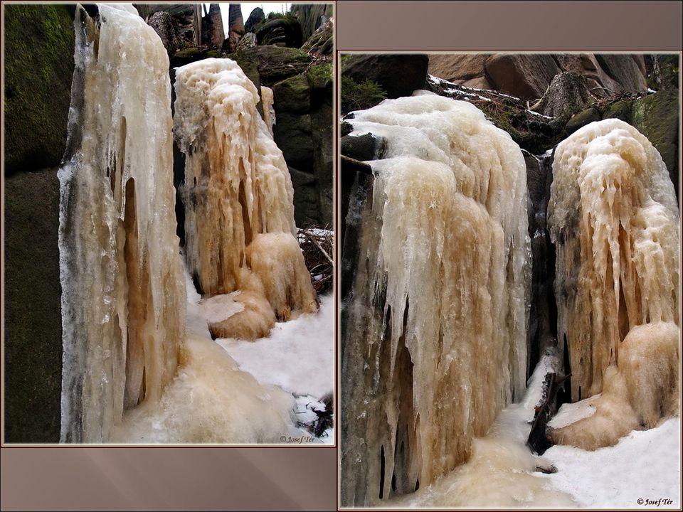 Písková rokle je dolina v Broumovských Stěnách probíhající souběžně s daleko známější Kovářovou roklí. Nevede tam turistické značení a v několika míst