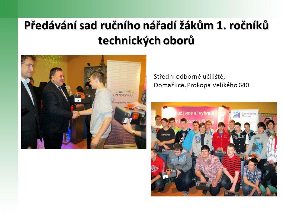 Předávání sad ručního nářadí žákům 1. ročníků technických oborů Střední odborné učiliště, Domažlice, Prokopa Velikého 640