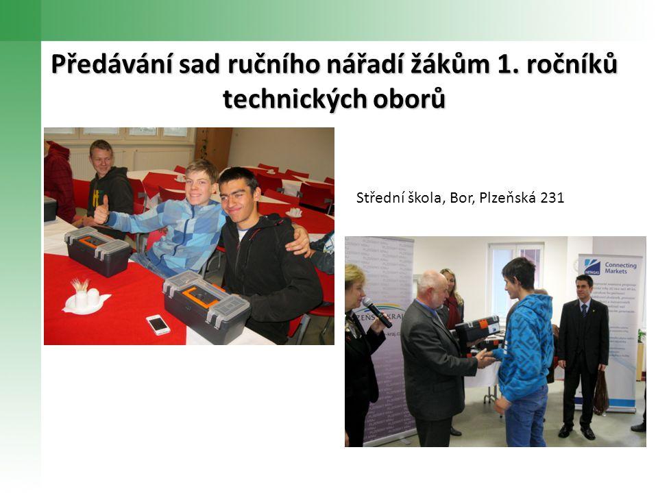 Předávání sad ručního nářadí žákům 1. ročníků technických oborů Střední škola, Bor, Plzeňská 231