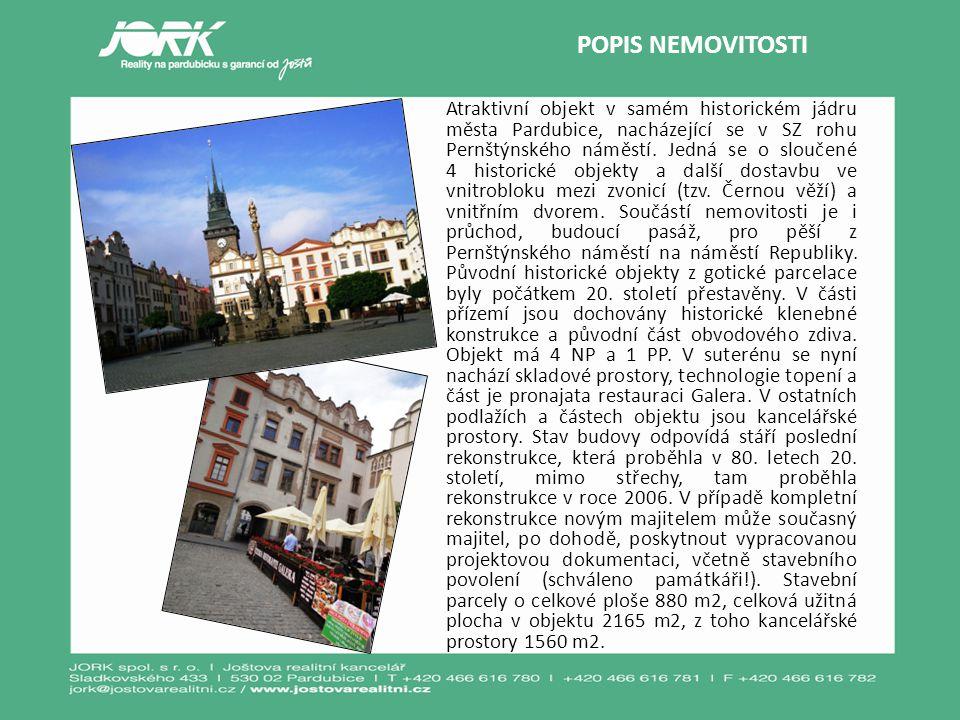 Atraktivní objekt v samém historickém jádru města Pardubice, nacházející se v SZ rohu Pernštýnského náměstí. Jedná se o sloučené 4 historické objekty