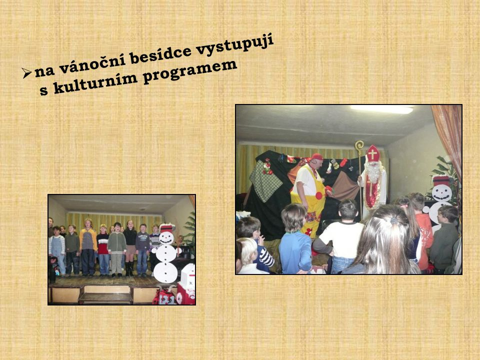  na vánoční besídce vystupují s kulturním programem