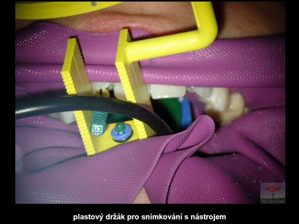 plastový držák pro snímkování s nástrojem