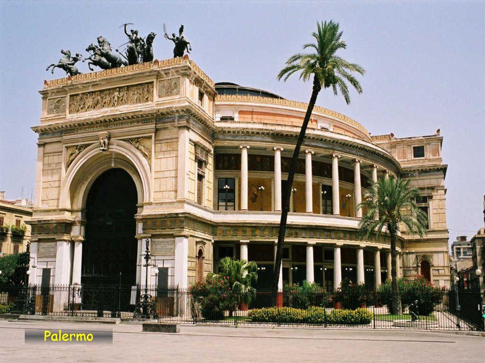 Palermo je metropole regionu Sicílie. Má 650.000 obyvatel. Nachází se v severozápadní části ostrova přímo u zálivu Palermo v Tyrhénském moři. Město by