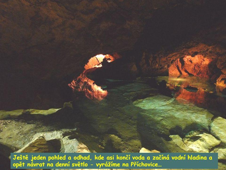 Jezírko s křišťálově průzračnou vodou