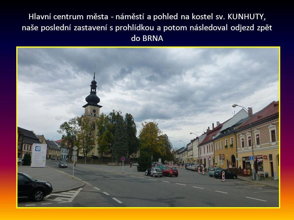 Vratislavovo náměstí, kde je zajímavý kostel sv. KUNHUTY