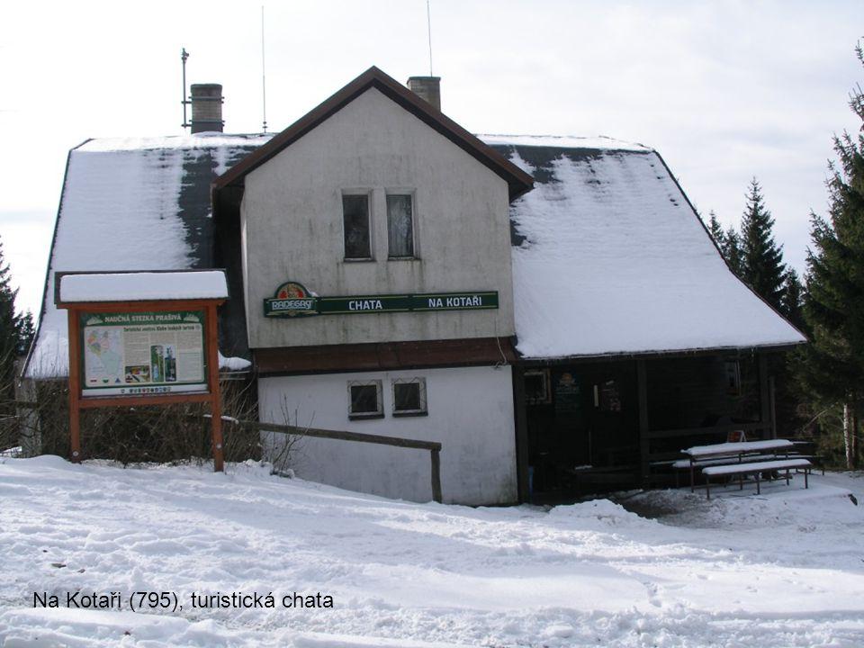 Na Kotaři (795), rozcestník u chaty