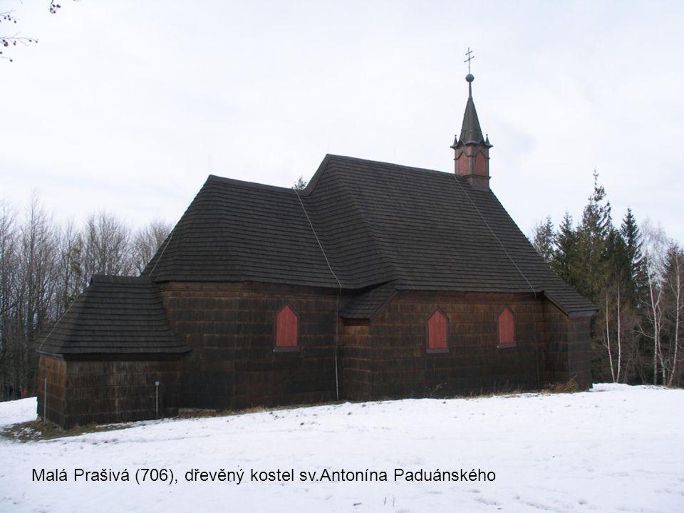Malá Prašivá (706), dřevěný kostel sv.Antonína Paduánského z roku 1640