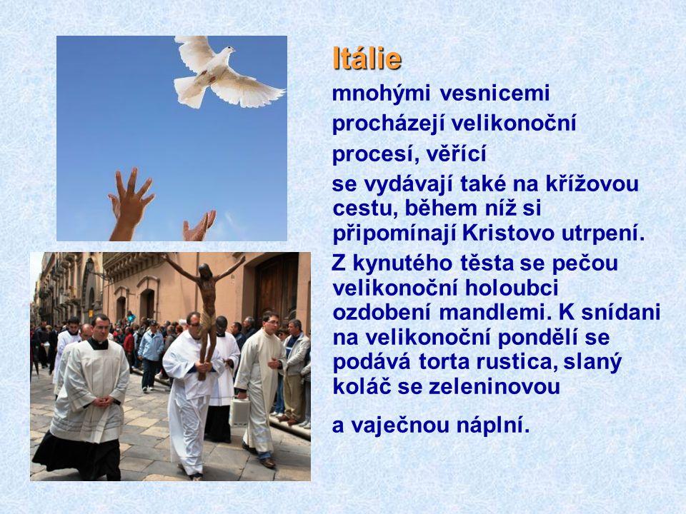 Maďarsko tradice polévání dívek a žen má zajistit, že budou plodné. Její kořeny sahají do předkřesťanských časů. Muži za to, že své příbuzné a známé n