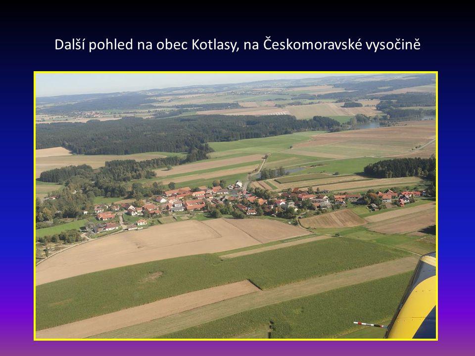 Pohled na malebnou obec Kotlasy u Žďáru