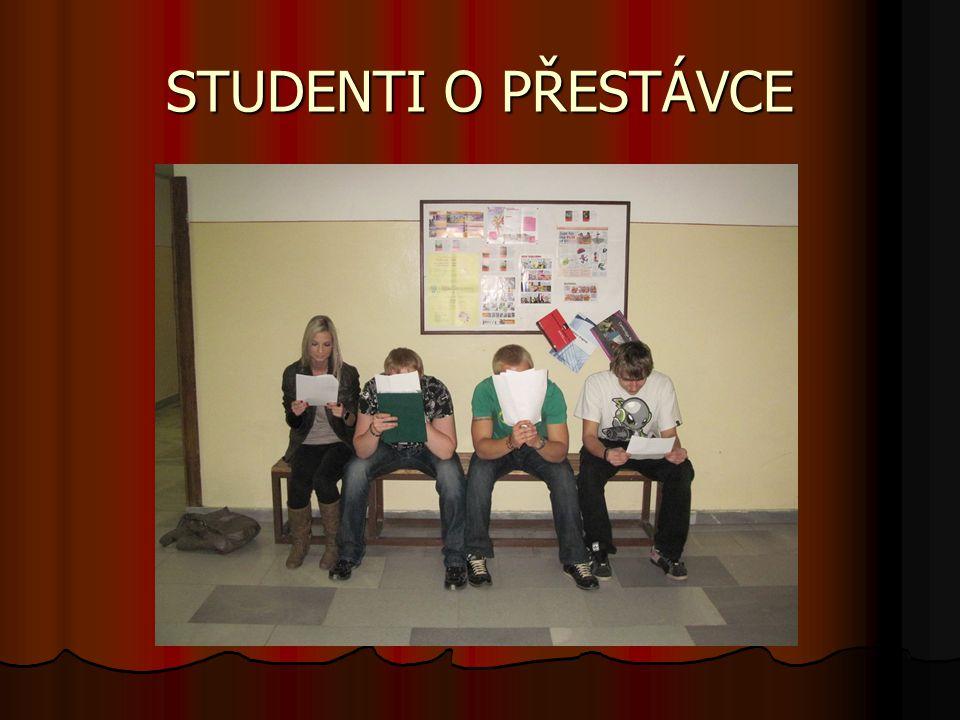 Obor OBCHODNÍ AKADEMIE  4-leté denní studium ukončené maturitní zkouškou.