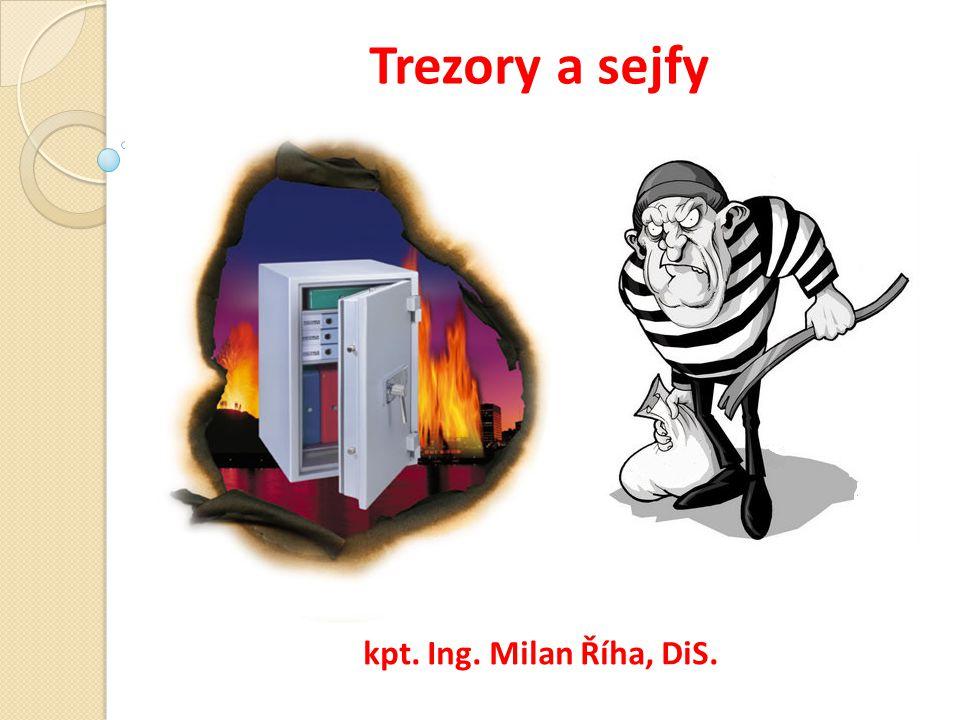 Rozdíl mezi trezorem a sejfem Sejf z anglického save (chránit) je primárně určen k ochraně uložených předmětů před zničením (vodou, teplem, ohněm, magnetickým polem apod.).