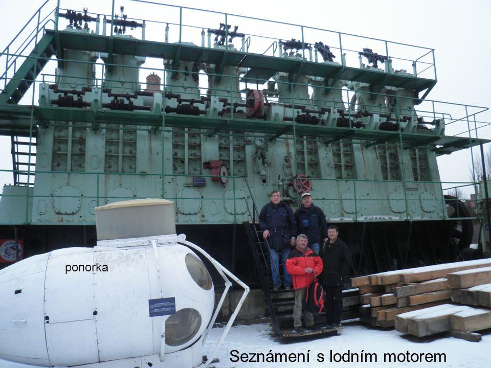 Seznámení s lodním motorem ponorka