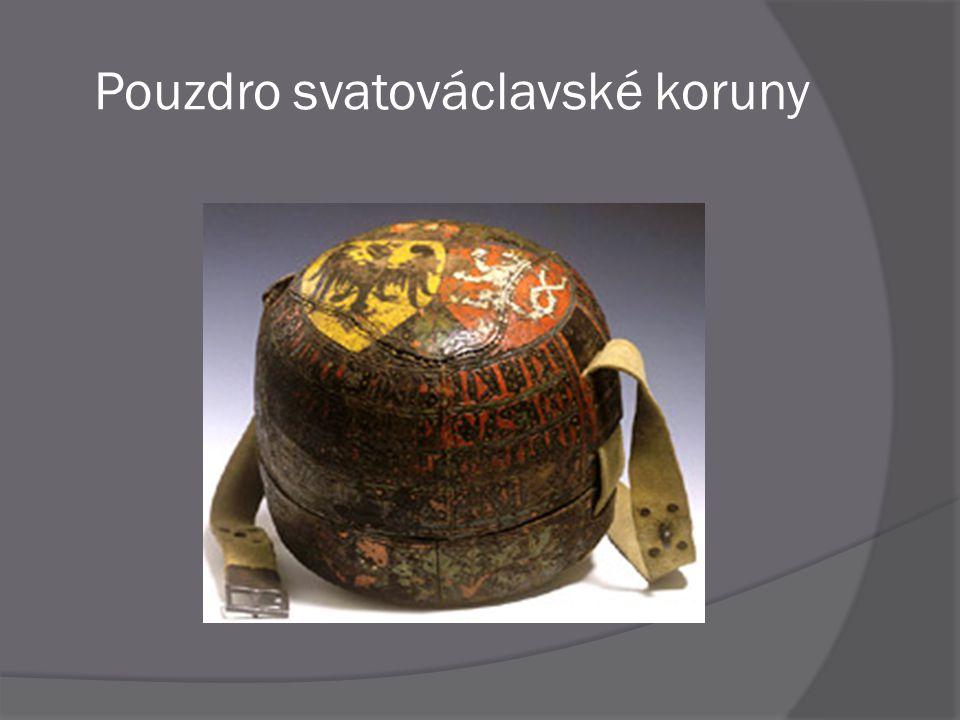  Svatováclavský meč byl využíván při korunovaci jako součást slavnostního oděvu  V inventářích je připomínán již v roce 1333  Není to předmět z doby světcova života, nýbrž typická gotická zbraň  V horní části čepele je otvor, do kterého byl vložen ostatkový křížek, který se ovšem nedochoval