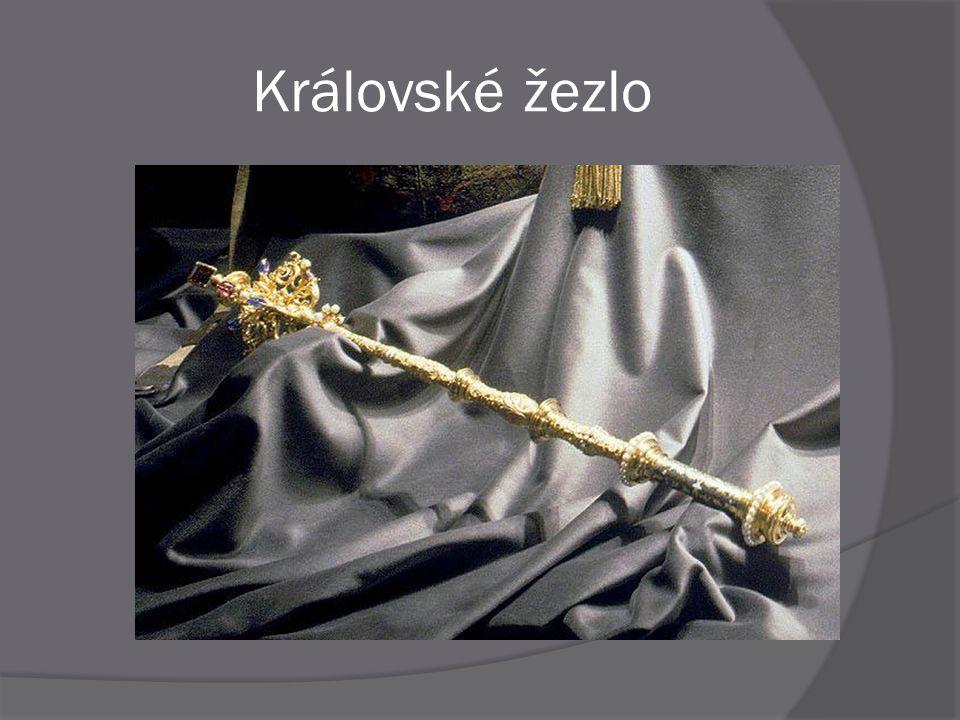 """ Původní gotické """" karlovské """" žezlo je uložené ve Vídni  Královské žezlo, které je dnes součástí Českých korunovačních klenotů nechal zhotovit císař Ferdinand I."""