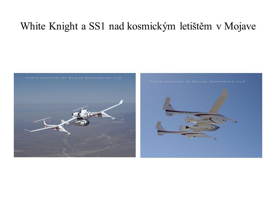 White Knight a SS1 nad kosmickým letištěm v Mojave