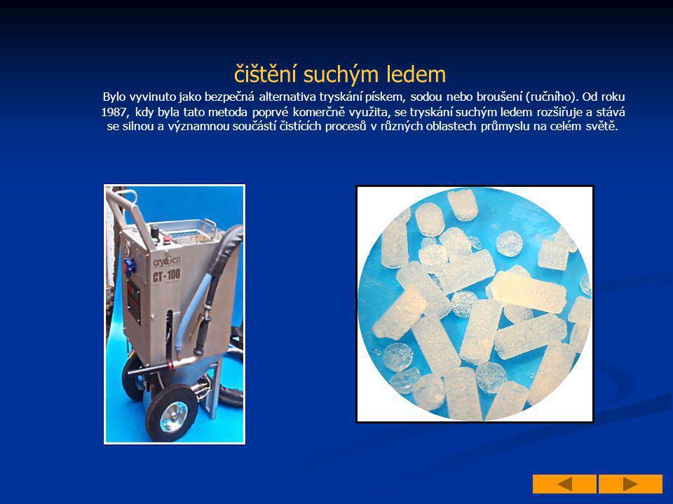 čištění suchým ledem Bylo vyvinuto jako bezpečná alternativa tryskání pískem, sodou nebo broušení (ručního). Od roku 1987, kdy byla tato metoda poprvé