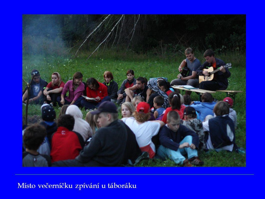 Místo večerníčku zpívání u táboráku