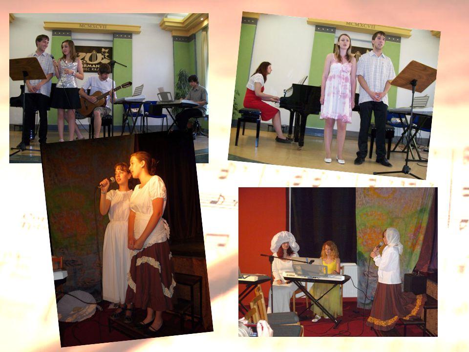 Při prezentaci klasického i soudobého repertoáru pracují zpěváci nejen samostatně, nýbrž i ve skupinách. Spolupracují rovněž s žáky jiných oddělení.