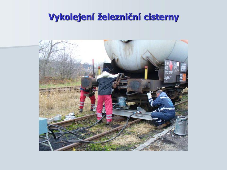 Vykolejení železniční cisterny