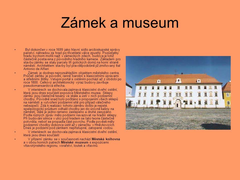 Zámek a museum • Byl dokončen v roce 1699 jako hlavní sídlo arcibiskupské správy panství, náhradou za hrad po třicetileté válce zpustlý. Pozůstatky hr