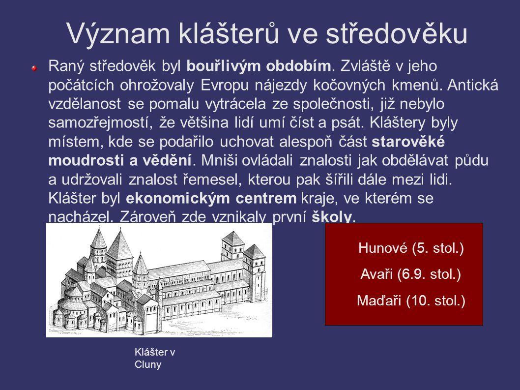 Cisterciáni Řád byl založen ve 12.století. Jeho zakladatelem byl Bernard z Clairvaux.