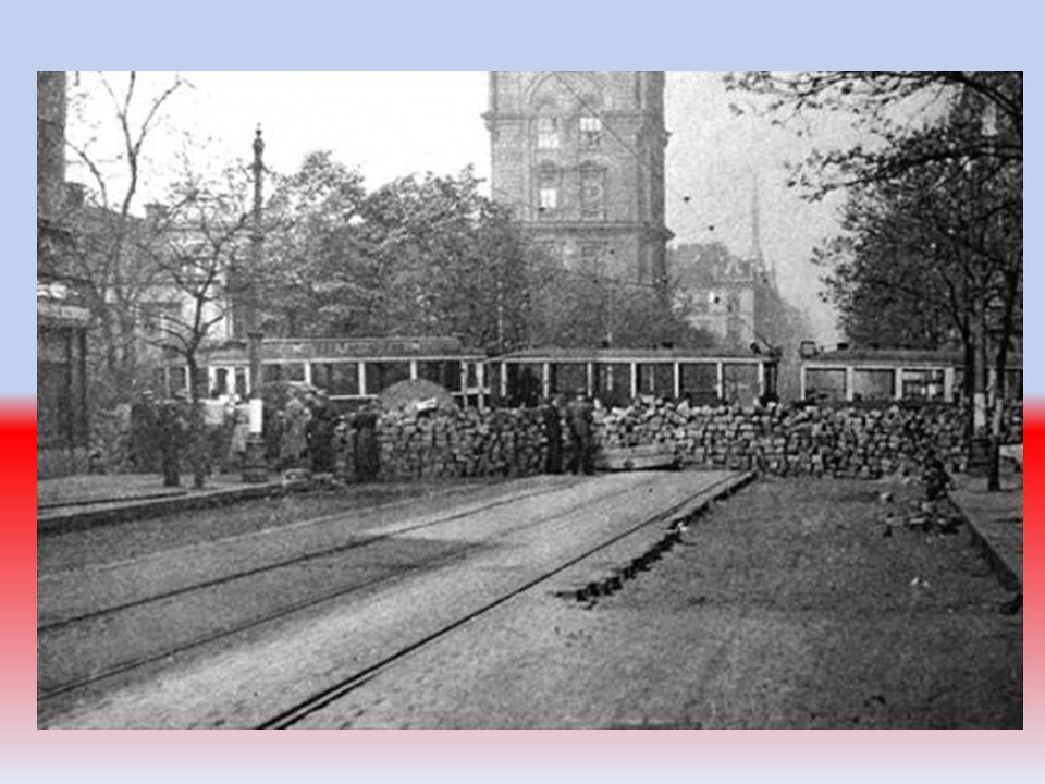 Vlasovci, jak byly jednotky nazvány díky jejich veliteli generálu Vlasovovi, obsazovali v Praze důležité opěrné body a uzly a opanovali velkou část Pr