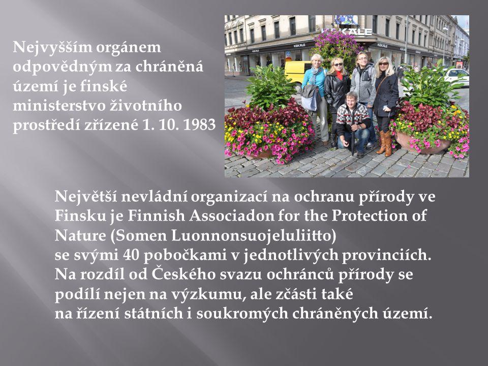 Nejvyšším orgánem odpovědným za chráněná území je finské ministerstvo životního prostředí zřízené 1. 10. 1983 Největší nevládní organizací na ochranu