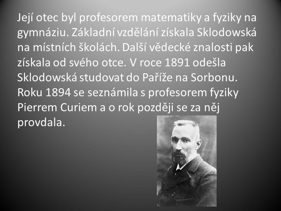 Jako první určila Curie teorii radioaktivity, techniky dělení radioaktivních izotopů a objevila dva nové prvky – radium a polonium.