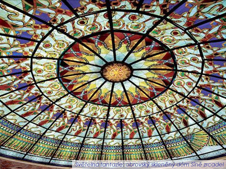 Světelná fantazie: obrovský skleněný dóm Síně zrcadel