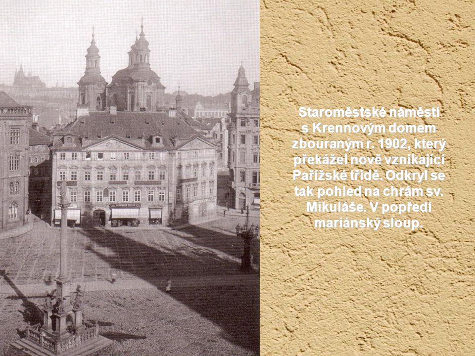 Staroměstská radnice před rokem 1862. Ještě s už neexistující Krocínovou kašnou.