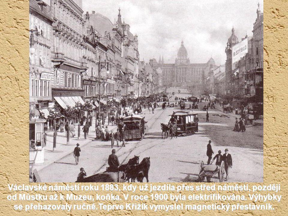 Karlovo náměstí z konce 50. let 19. století, kdy před chrámem sv. Ignáce stál ještě špalíček pěti domů.