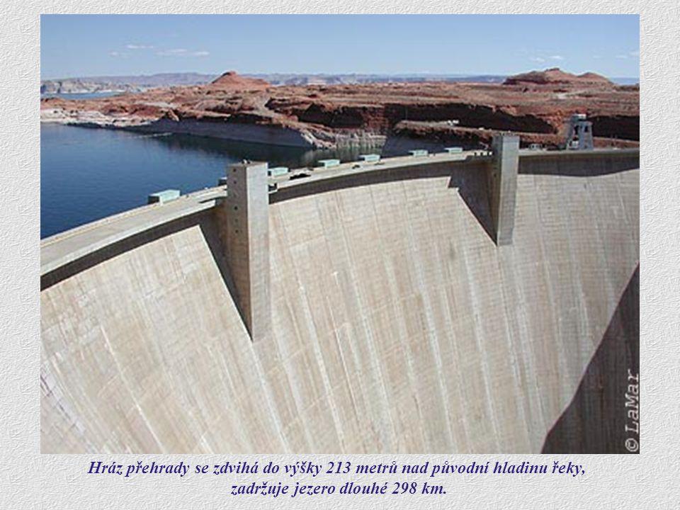 Glen Canyon Dam byla dostavěna ve stejnojmenném kaňonu v roce 1963. Následujících 17 let trvalo napuštění jezera Lake Powell na jeho maximální možnou