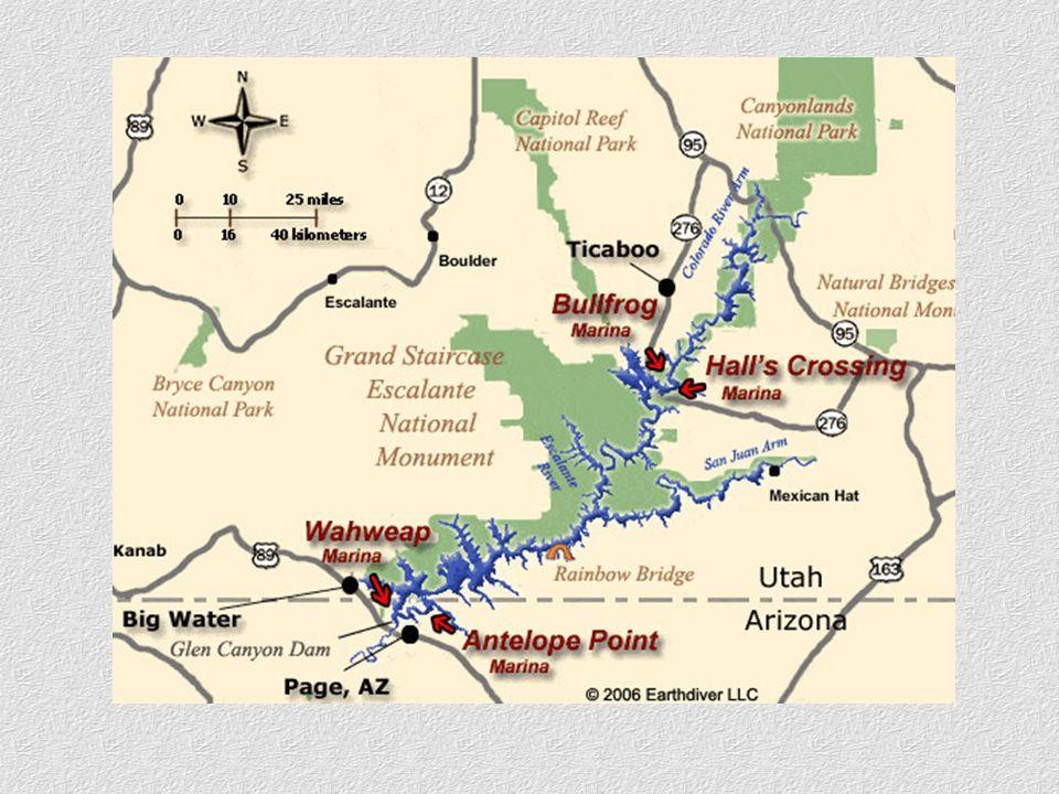 Po několika dnech užívání si na hladině Lake Powell a v jeho okolí je jistě nezapomenutelným zážitkem vyhlídkový let nad touto nádhernou krajinou.