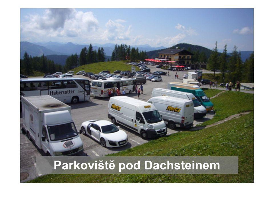 Parkoviště pod Dachsteinem