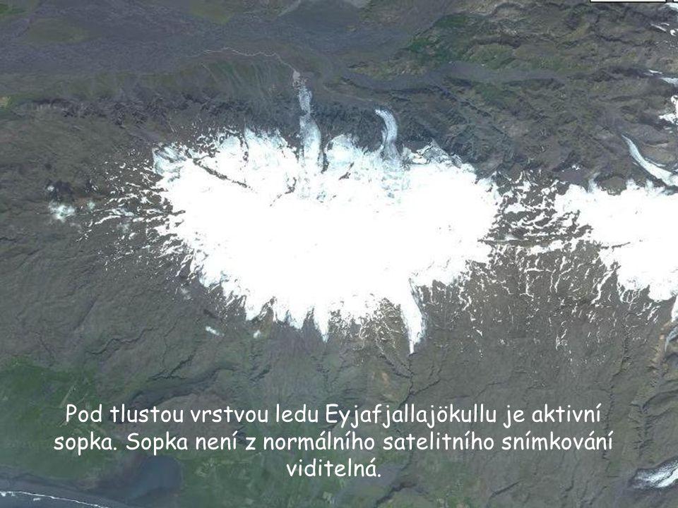 Letecký pohled na Eyjafjallajökull.