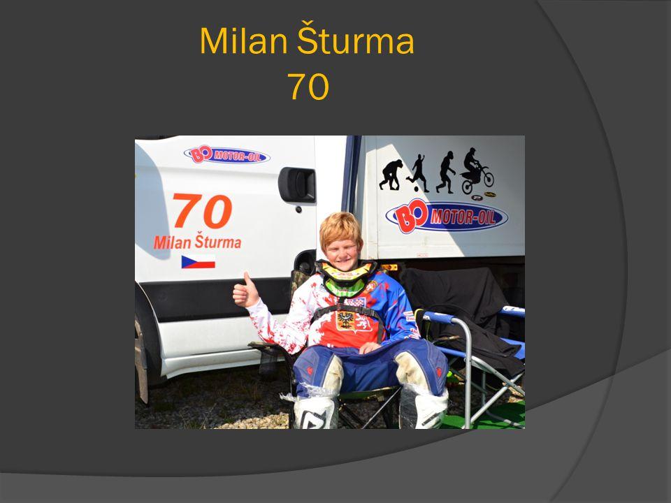 A na závěr … Všem,kteří nám umožnili zúčastnit se tak obrovské akce, jakou je mistrovství světa juniorů v motokrosu patří náš veliký dík… Jako jezdec Milan Šturma děkuji mamce,taťkovi a celé své rodině.