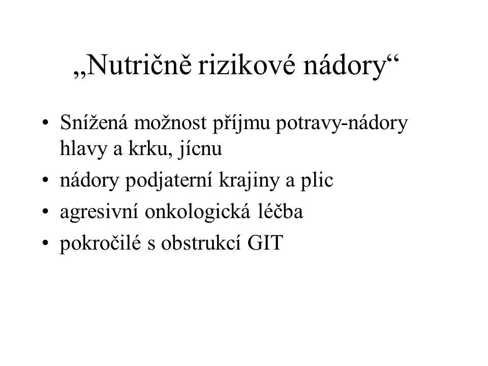 Složení výživy •25-35 kcal/kg obvyklé tělesné hmotnosti ( tj hmotnosti před počátkem hubnutí) •bílkovin 1,2- 1,5 (1,8) g/kg •cukr 2-4g/kg/den •tuk 1,5g/kg/den, •Méně je často více.