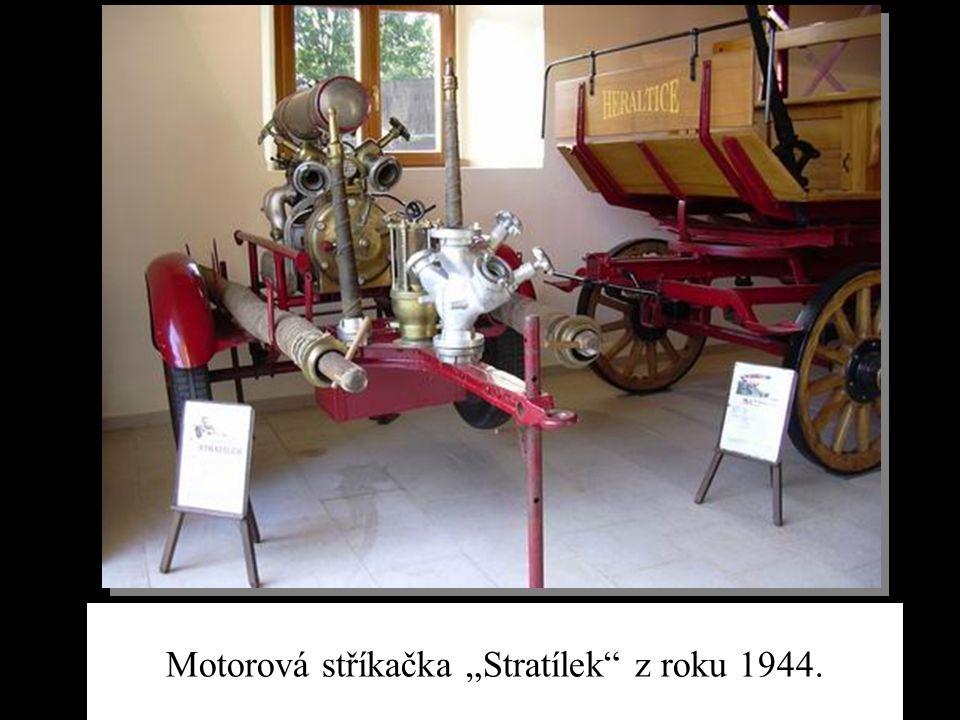 "Motorová stříkačka ""Stratílek"" z roku 1944."