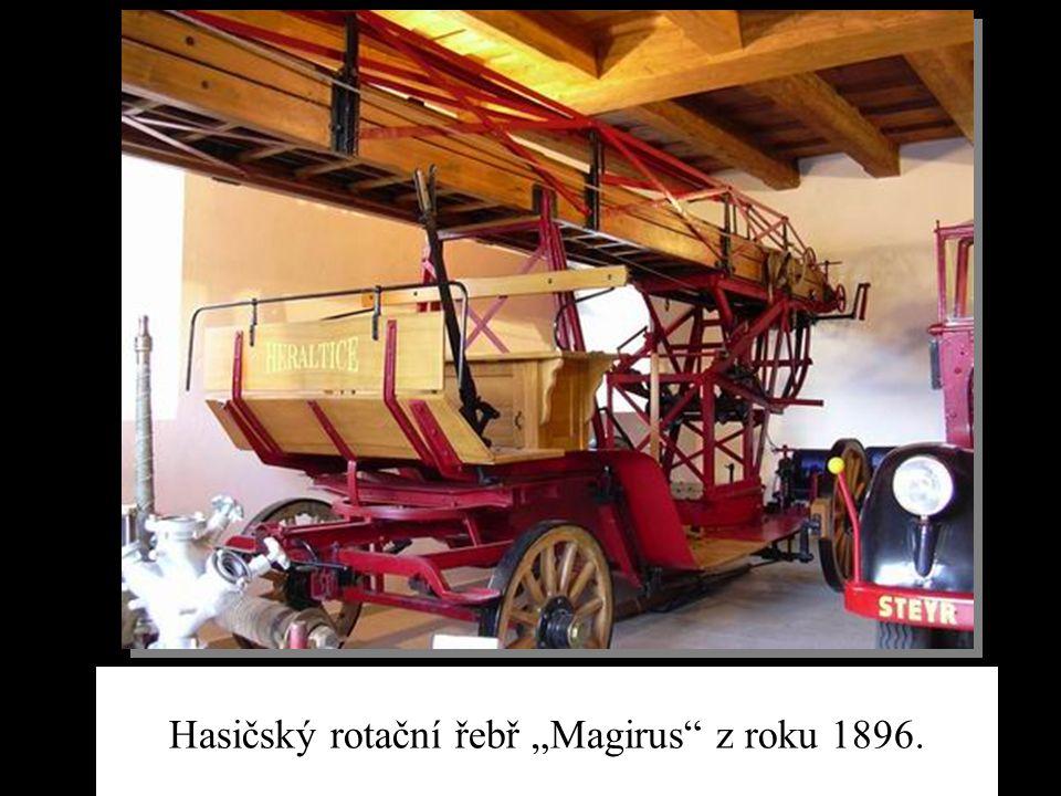 """Hasičský rotační řebř """"Magirus"""" z roku 1896."""