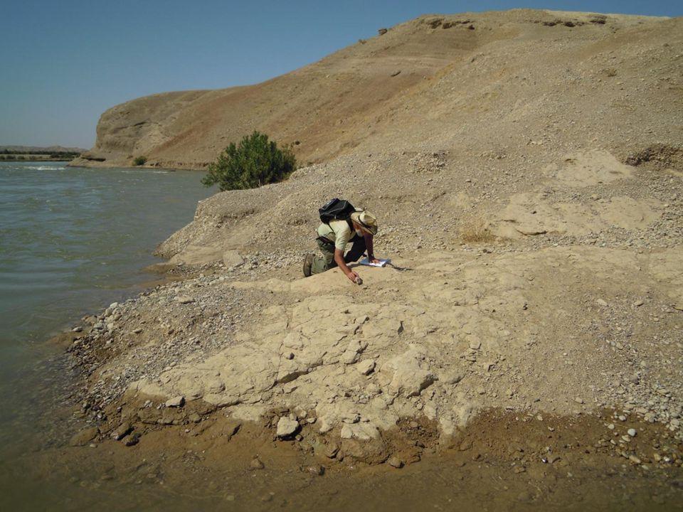Geotechnický průzkum pro přehrady 26Zemní konstrukce 2011/2012 Orientační a předběžný průzkum = terénní mapování a výběr přehradního místa