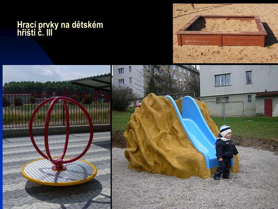 Hrací prvky na dětském hřišti č. III