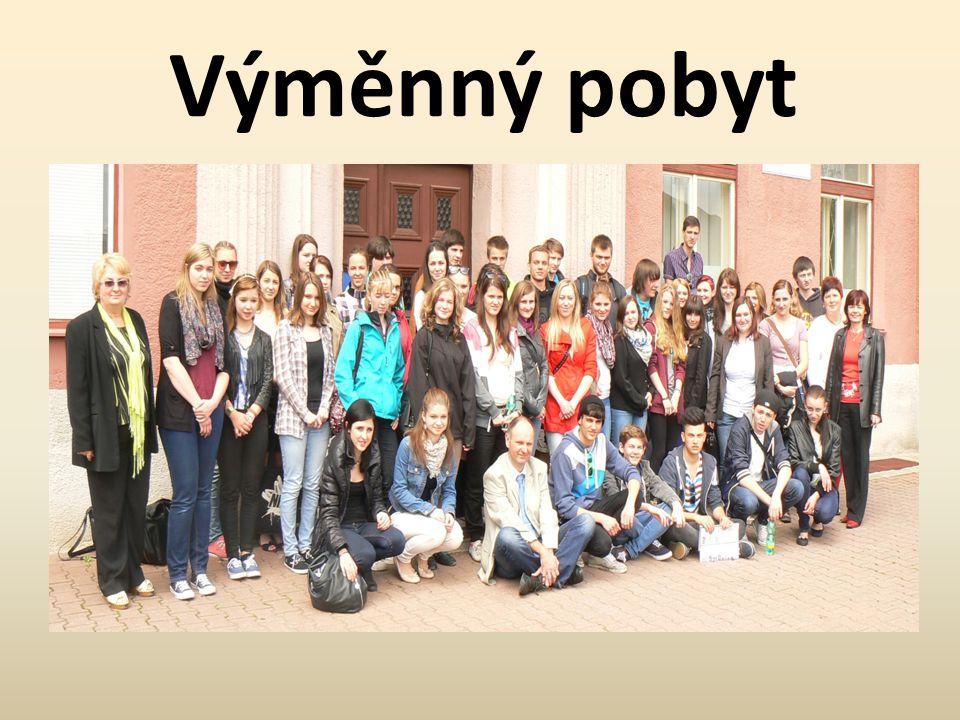 Spolupráce • Od roku 2000 spolupracuje Obchodní akademie a Jazyková škola Pardubice se Státním centrem pro výchovu k povolání v Aschaffenburgu v SRN.