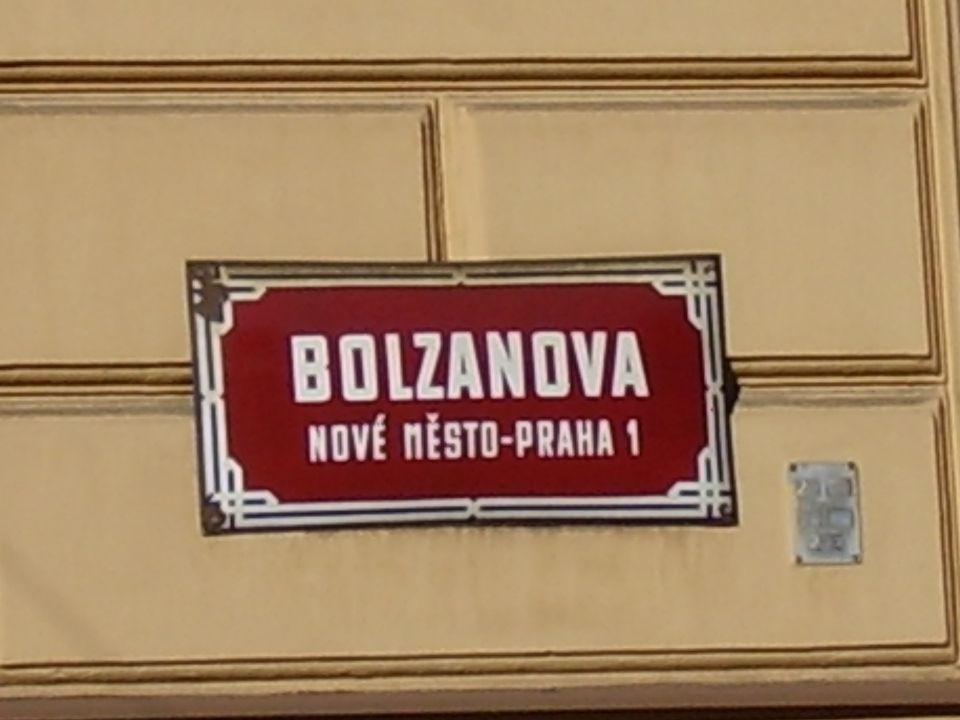 Bolzano Evropan  Bernard Bolzano byl: – Ital po otci – Čech po matce – Rakušan státní příslušností – Němec podle jazyka, jímž psal a mluvil – Pražan podle místa, kde žil celý život – Evropan podle vztahu k ostatním.