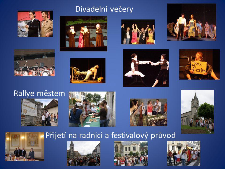 Divadelní večery Rallye městem Přijetí na radnici a festivalový průvod