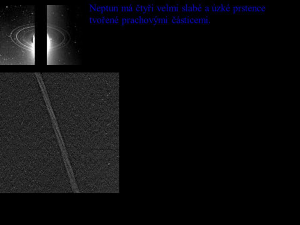 Neptun má čtyři velmi slabé a úzké prstence tvořené prachovými částicemi.