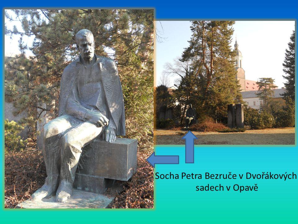 Socha Petra Bezruče v Dvořákových sadech v Opavě