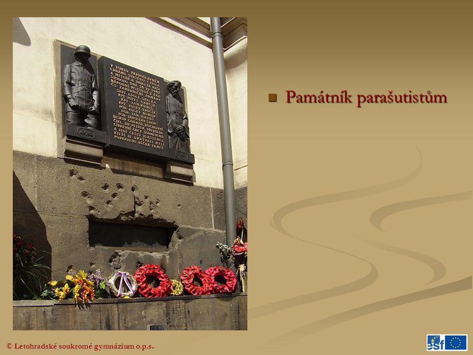  Památník parašutistům